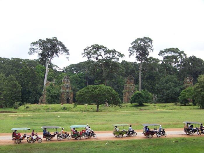 Tuk Tuks Angkor Wat